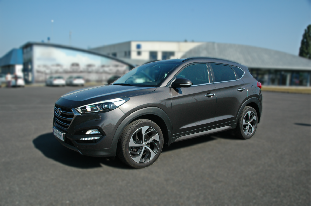 sleeping in the car hyundai tucson 2016. Black Bedroom Furniture Sets. Home Design Ideas
