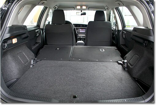 sleeping in the toyota auris combi. Black Bedroom Furniture Sets. Home Design Ideas
