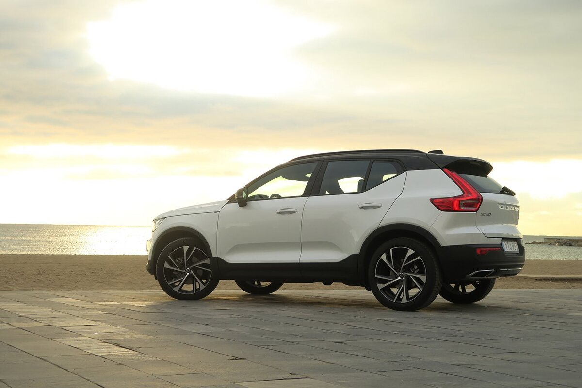 Volvo V90 Cross Country >> Sleeping in the Volvo XC40