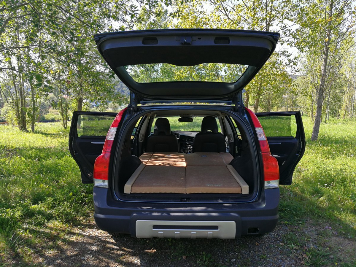 sleeping in the car xc70 cross country. Black Bedroom Furniture Sets. Home Design Ideas