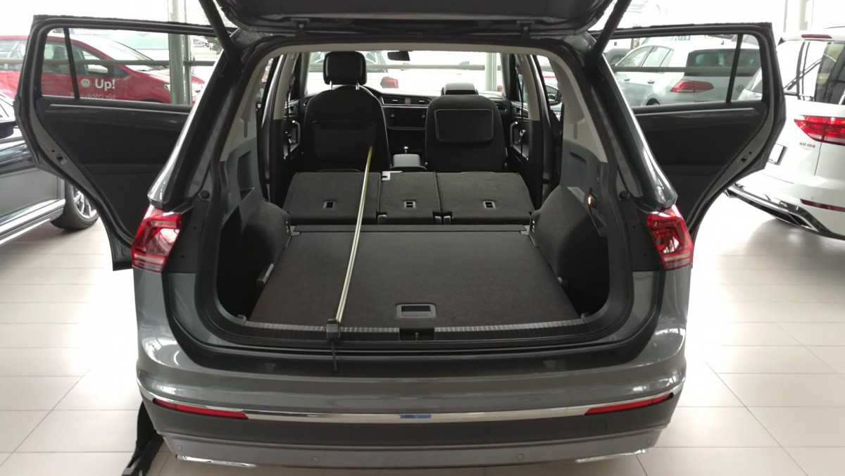 sleeping in the vw tiguan allspace. Black Bedroom Furniture Sets. Home Design Ideas